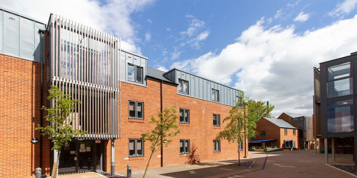 2-student-accommodation-st-giles-studios-exterior