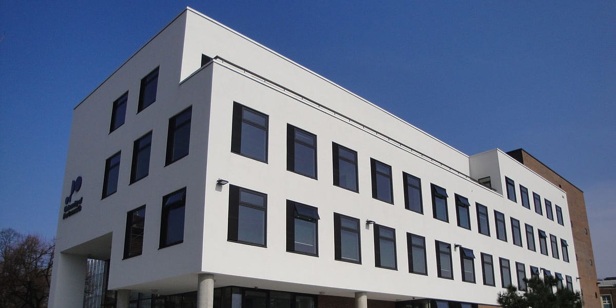 1200px-University_of_Portsmouth_Dennis_Sciama_building